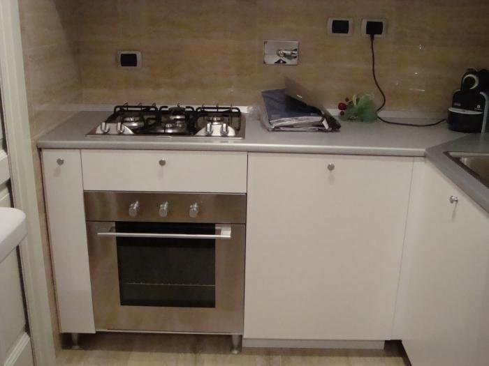 Cucine, cucine su misura Roma e Pomezia